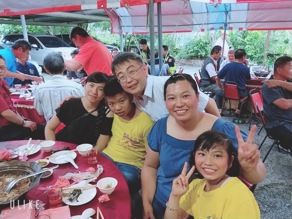 http://www.ghps.cyc.edu.tw/uploads/tadgallery/2019_07_02/10654_108.06.20謝師宴_190702_0018.jpg